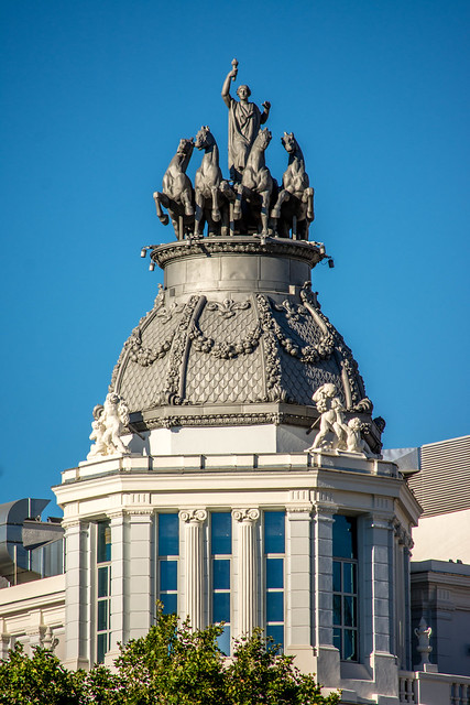 Quadriga on the Transatlantic Insurance Company (Edificio de Seguros La Aurora), Madrid, Spain