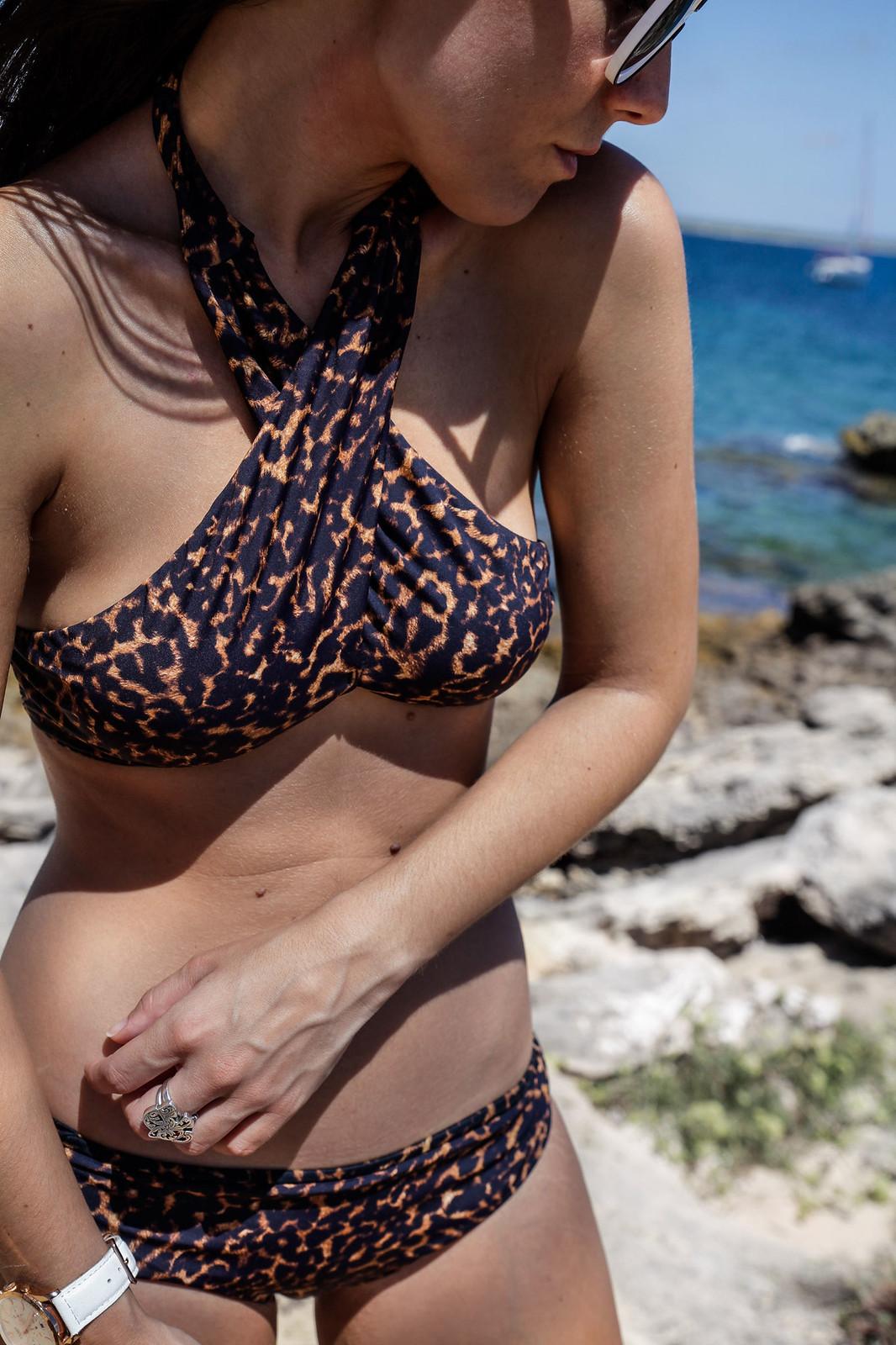 05_beachriot_leopard_swimwear_theguestgirl_summer_the_guest_girl_laura_santolaria_mediterranean_girl_mejor_bañador_2017_bikini_sexy_laura