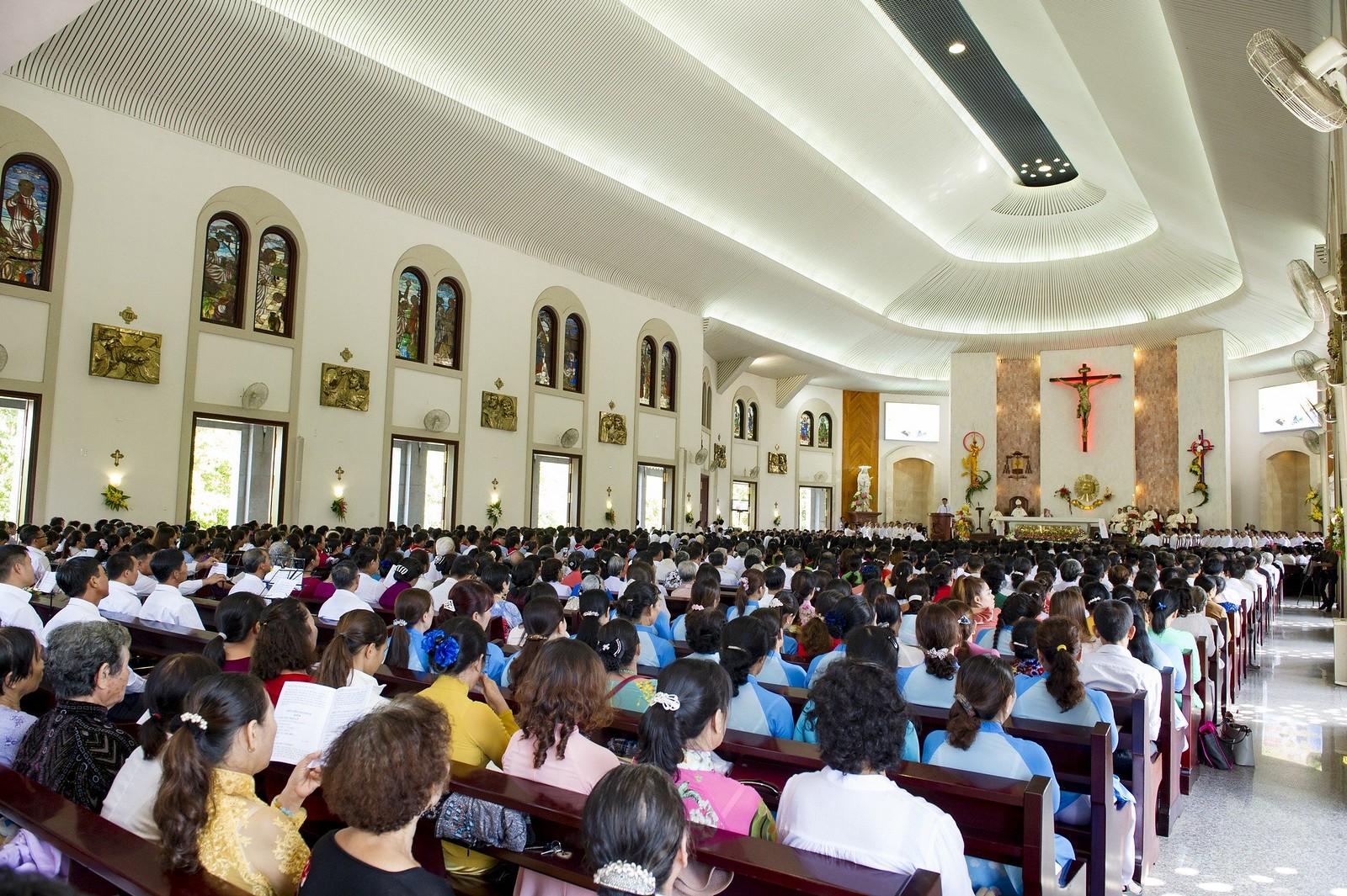 Giáo phận Bà Rịa: Thánh lễ Truyền chức Linh mục 2017 - Ảnh minh hoạ 10
