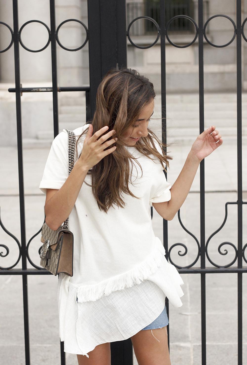 white blouse denim skirt carolina herrera sandals gucci bag summer girl outfit13