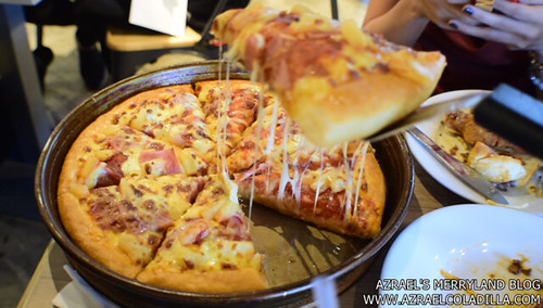 Pizza Hut SM MOA (26)
