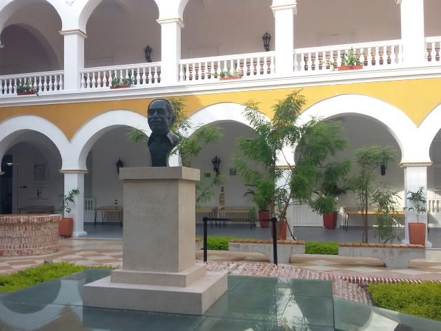 Claustro de la Merced. O busto guarda as cinzas de Gabriel García Marquez desde maio de 2016.