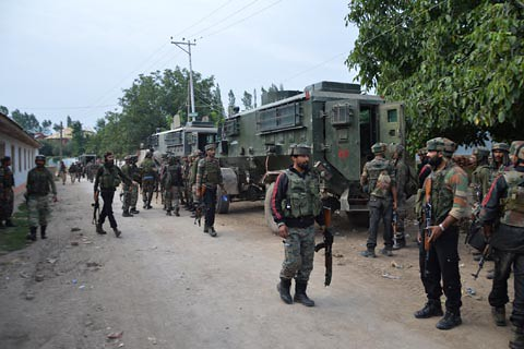 Troops Lay Siege to Several Villages in Shopian