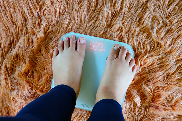 Patty Villegas - The Lifestyle Wanderer - PICOOC - Smart Scale Mini - Review -13