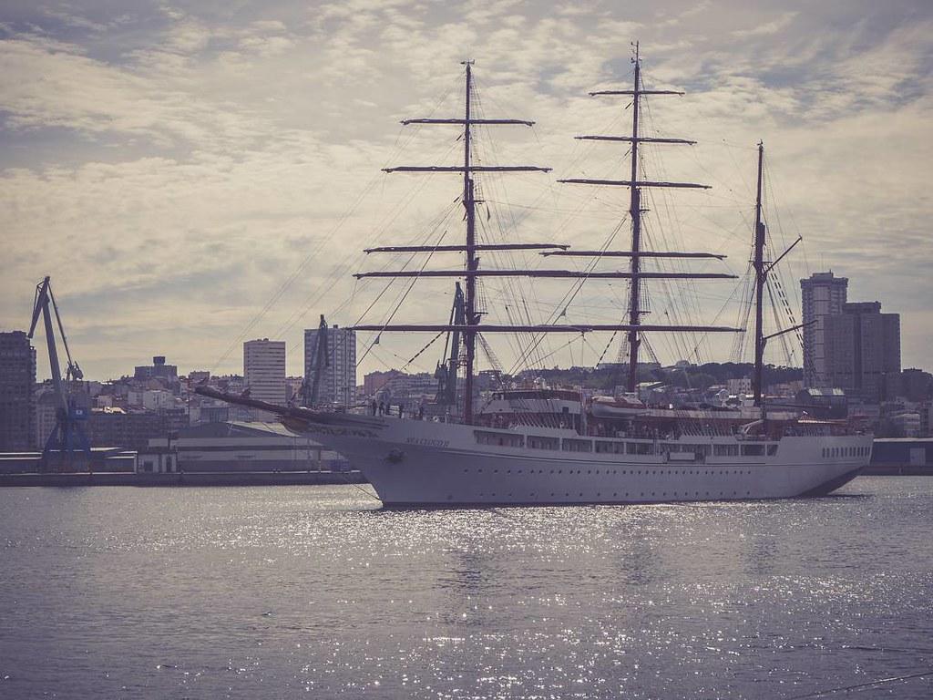 Proa hacia el océano. #olympusomd #cruise #tallship #Coruña #puertocoruña #photography