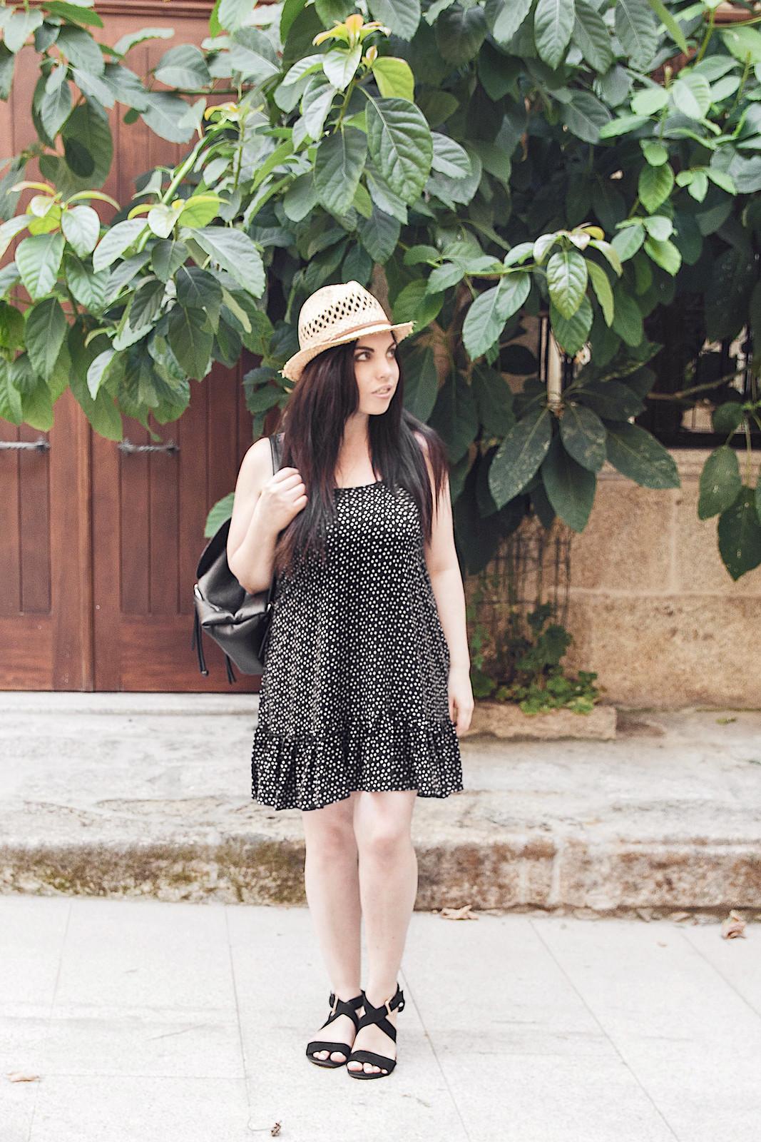 Cómo escoger un vestido estampado según tu figura