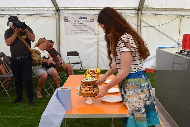 Judging the Cake Off at We Love Hythe Food Festival | www.rachelphipps.com @rachelphipps