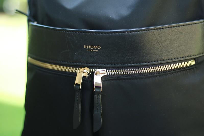 Knomo bag logo and zips