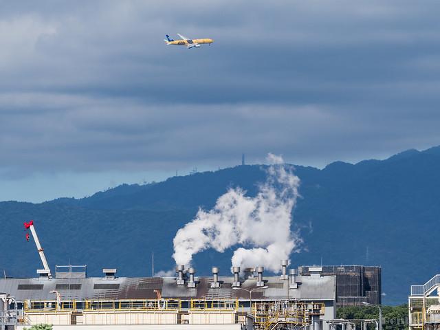 Itami Airport 2017.8.3 (13) JA743A / C-3PO ANA JET (B777-200)