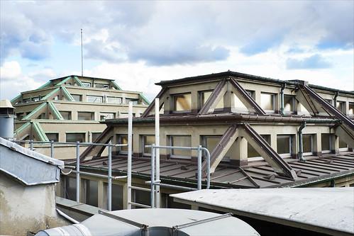Le toit du Palais de la Porte Dorée (Paris)