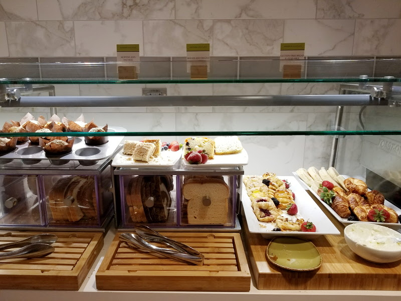 doubletree-hilton-ember-and-vine-breakfast-pastries-3