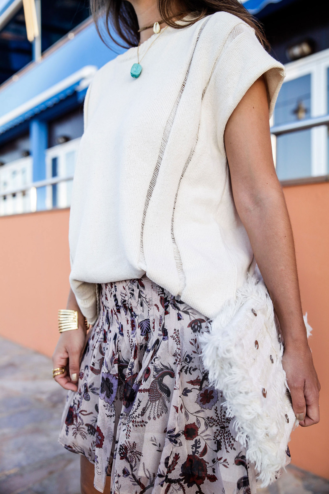 012_blusa_punto_falda_flores_summer_outfit_theguestgirl_rüga_schade_jewels_steve_madden_.magali_pasacal_influencer_barcelona_blogger
