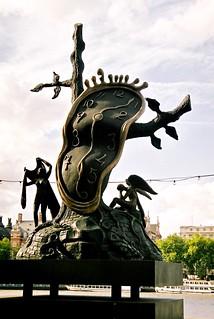 By The Thames, Salvador Dalí Sculpture