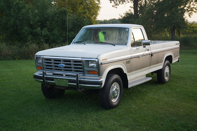 1985 Ford Explorer F-250 XLT Lariat Pick-Up