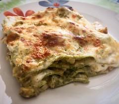 lasagne bianche con broccoli, emmental e speck