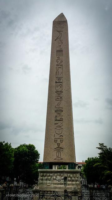 Obelisk1-151009rw