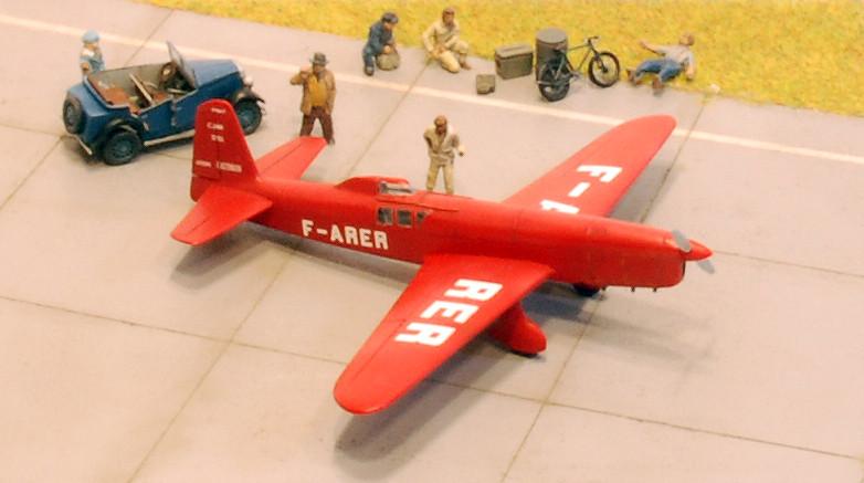 gros moteur et petites ailes... Une petite série de racers... Et un Farman - Page 2 37192328715_03e316412a_b
