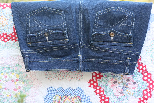 """""""New"""" button for old jeans"""