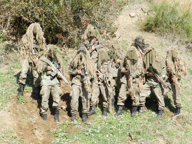 Κληρωτοί Στρατιώτες με την κατάλληλη εκπαίδευση μπορούν να αποδώσουν πολύ καλούς Ε.Σ. και Ακροβολιστές. Δυστυχώς η απόκτηση εμπειρίας προϋποθέτει μακροχρόνια τριβή που οι κληρωτοί δύσκολα μπορούν να αποκτήσουν.