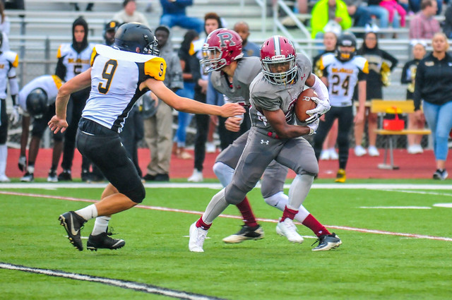 Football 2017 DeLaSalle @ Richfield-226.jpg, Nikon D300S, AF-S Zoom-Nikkor 80-200mm f/2.8D IF-ED
