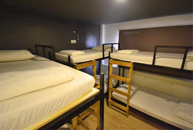 kuala lumpur hostels revopackers dorm room