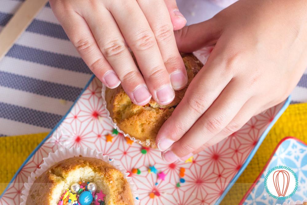 Little Foodies: Piñata Cupcakes