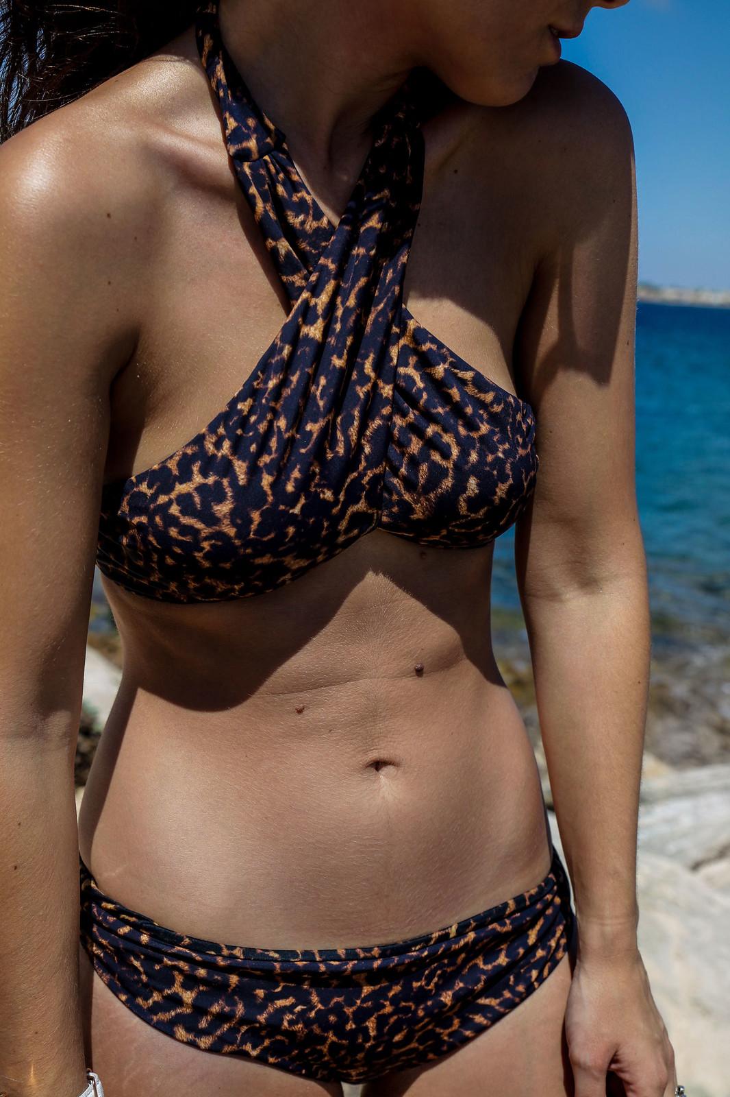 03_beachriot_leopard_swimwear_theguestgirl_summer_the_guest_girl_laura_santolaria_mediterranean_girl_mejor_bañador_2017_bikini_sexy_laura