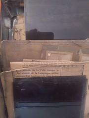 Une pleine boîte de plaques de verre trouvé en brocante Y a de la repro dans l air