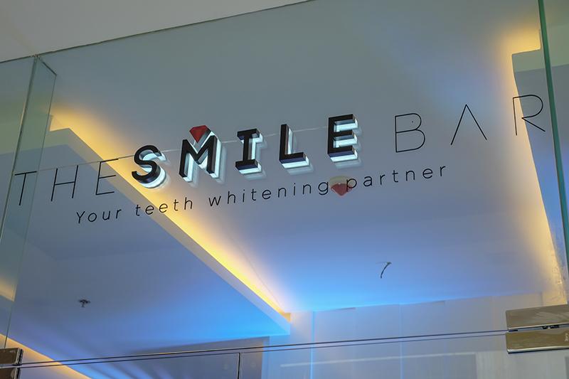 THE SMILE BAR