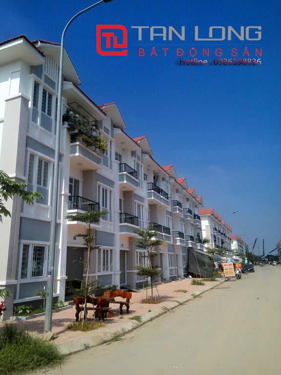 """Pruksa Town An Đồng - Dãy nhà đối diện trường mầm non của khu đô thị  <img src=""""images/"""" width="""""""" height="""""""" alt=""""Công ty Bất Động Sản Tanlong Land"""">"""