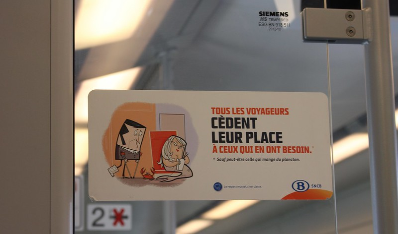 Etiquette sign in a Brussels train