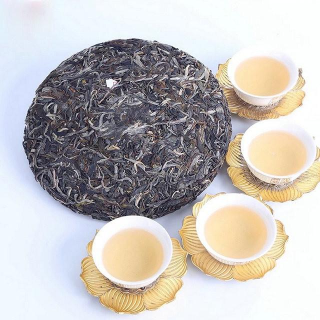 Free Shipping 2017 ChenSheng Naka Beeng Cake 357g YunNan MengHai Organic Pu'er Raw Tea Sheng Cha Weight Loss Slim Beauty