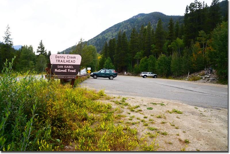 Denny Creek Trailhead parking lot