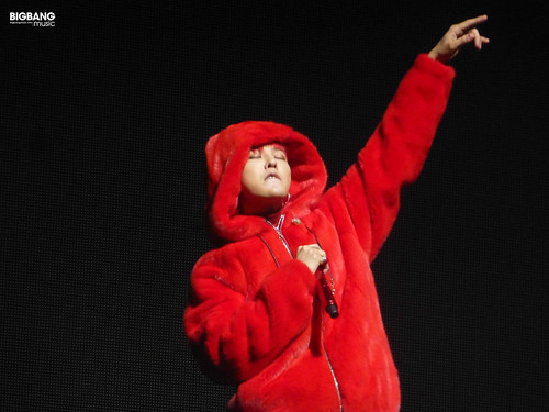 G-Dragon-MOTTE-in-Berlin-2017-09-30-32