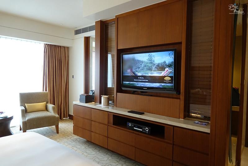 mandarin oriental macau room tv