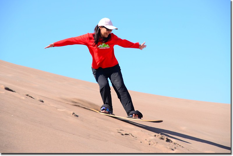 Sledding at Great Sand Dunes  (13)