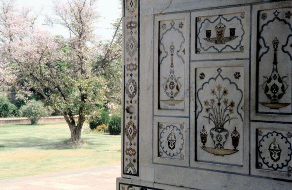 022-1India1995