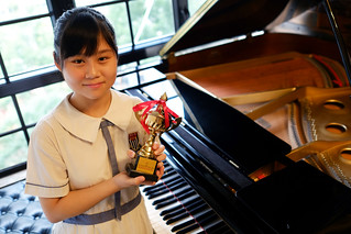 piano,musical instrument,keyboard,player piano,pianist