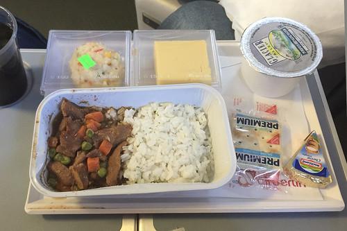 35 - Rindergeschnetzeltes mit Reis - Air Berlin - Flug POP - DUS