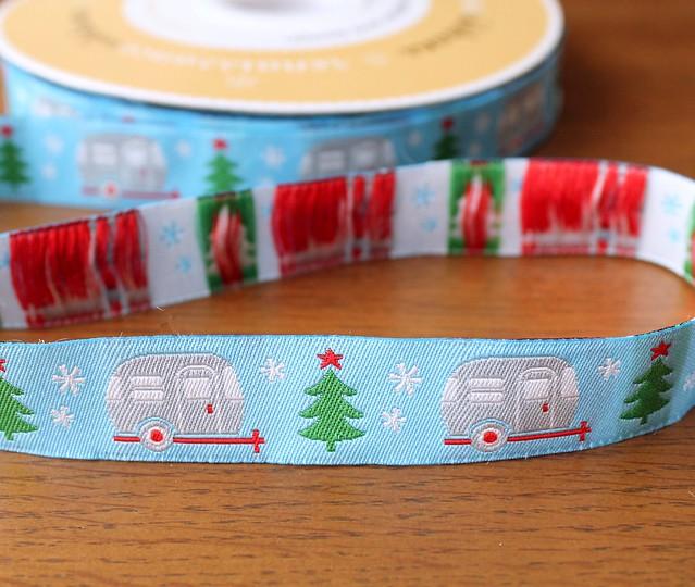 Renaissance Ribbons Adorable Holiday Camper