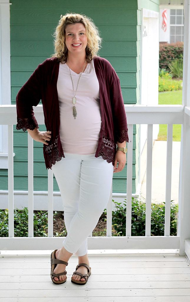 garnet kimono, maternity pink tee and white jeans 1