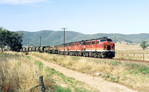 108-12 1991-12-28 4466 4438 and 4463 at Mudgee