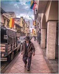 Serie #people 03 #Cuenca #Ecuador #AllYouNeedIsEcuador #iPhoneonly #ProyectoEcuador2017 #street