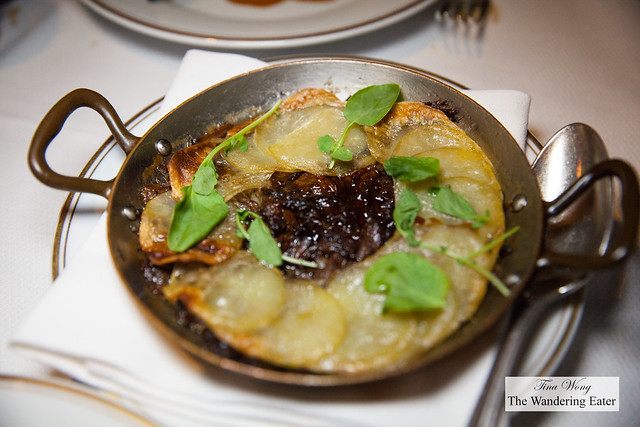 Oxtail potatoes served with the Filet de boeuf