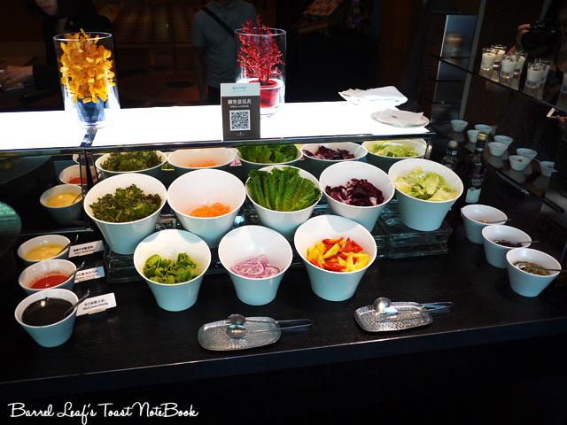 ambassador-hotel-aqua-lounge-buffet (7)