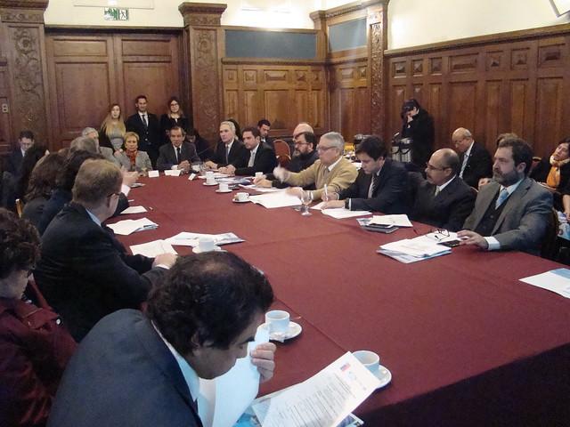 """Seminario """"Chile-Guatemala: Oportunidades de inversiones directas y comercio recíproco"""" 2017"""