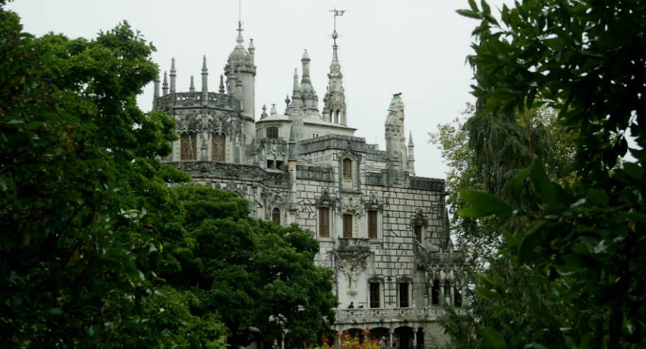 Ontdek de paleizen van Sintra, Portugal: Quinta da Regaleira | Mooistestedentrips.nl