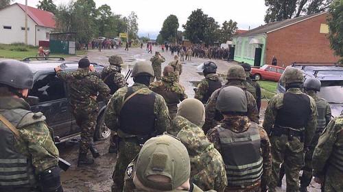 Конфлікт у володимирецьких лісах: Муляренко не говоритиме з бурштинокопачами