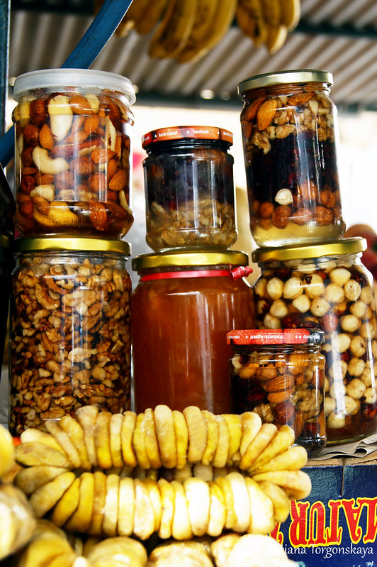 Баночки с орешками в меду