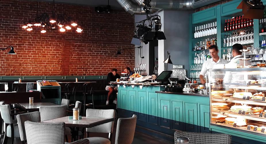 Stedentrip Praag, lunchen in Praag: Café ~ Café | Mooistestedentrips.nl